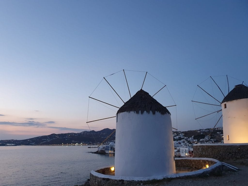 Make sure to see the sunset in Mykonos in 3 days!