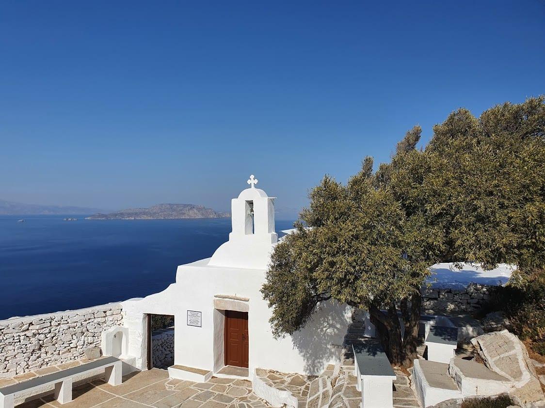 The church on top of Paleokastro in Ios