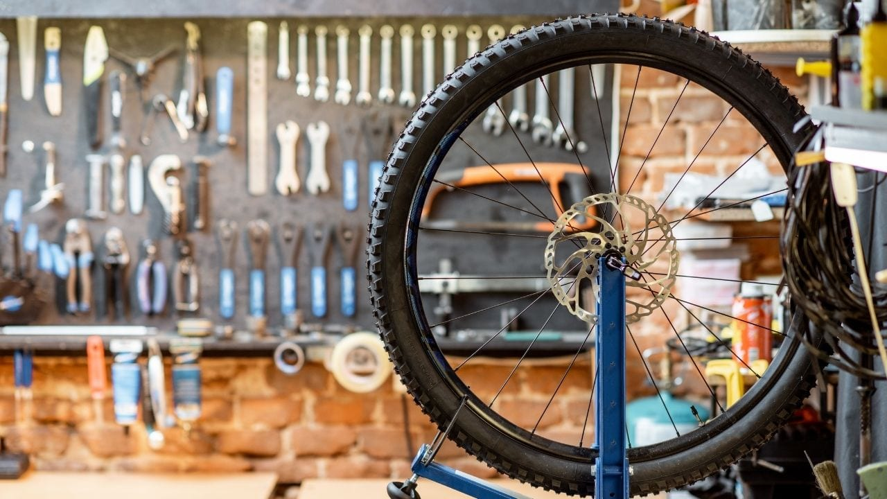 Choosing the best toolkit for a bicycle workshop at home