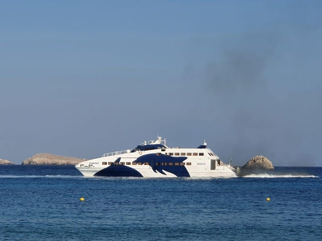 Taking the Folegandros ferry