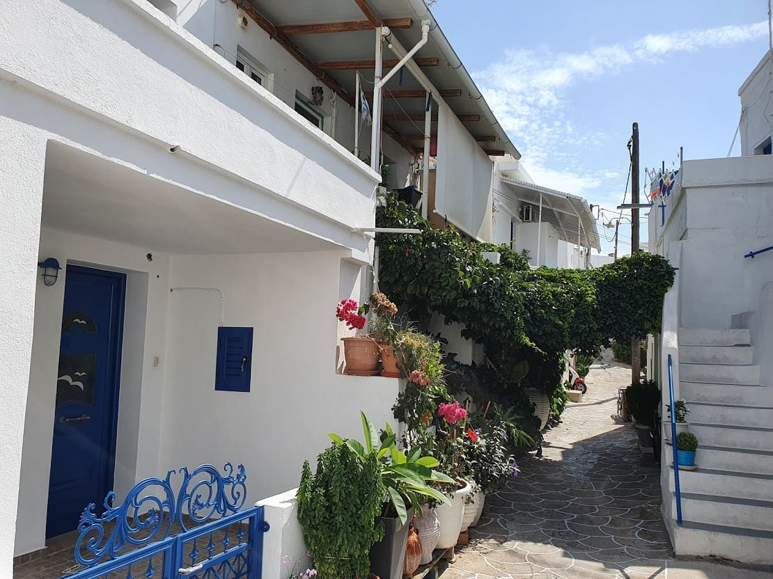 Walking through the main town of kimolos island
