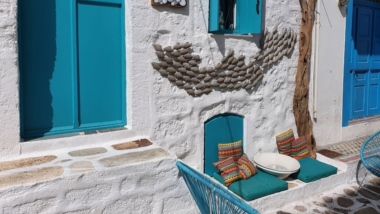 How to get from Athens to Kimolos island in Greece