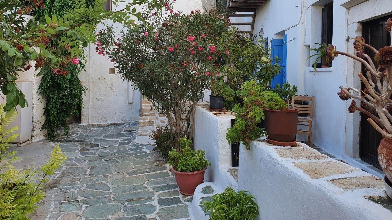 Traveling to Folegandros island from Milos