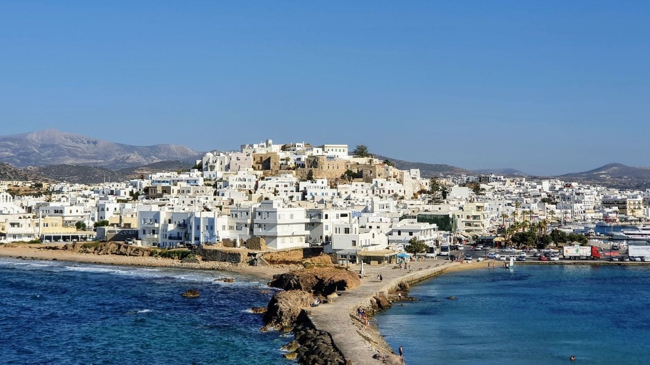 How to travel to Naxos from Milos island in Greece