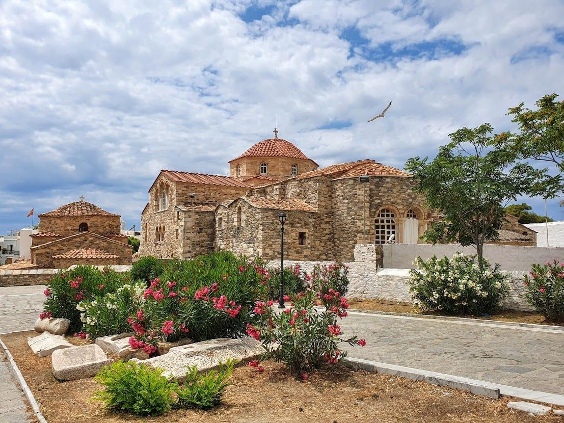 How to visit Paros