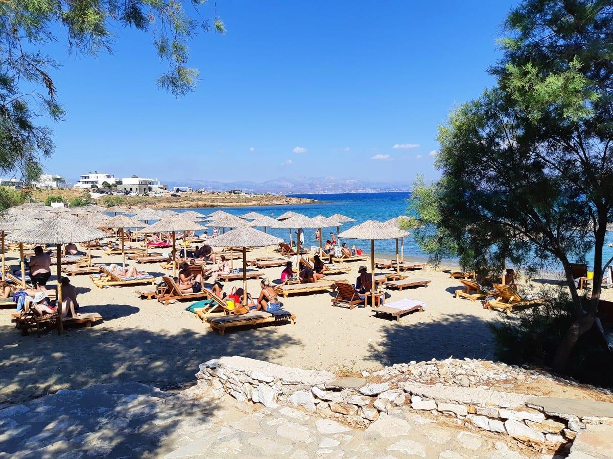 Punda organized beach in Paros