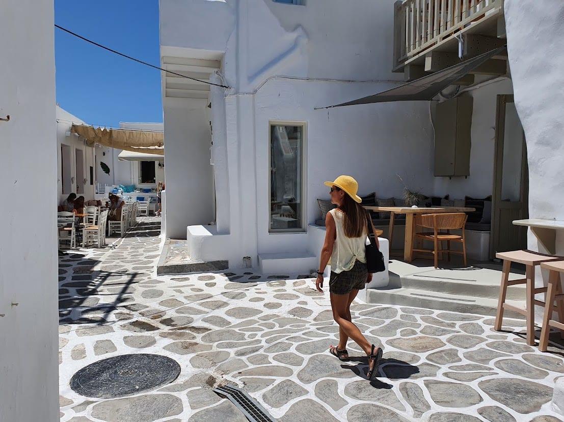 Walking in Naousa in Paros