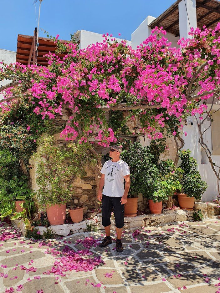 Dave Briggs from Dave's Travel Pages exploring Paros in June