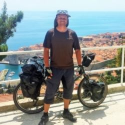 Dave Briggs, writer at Dave's Travel Pages